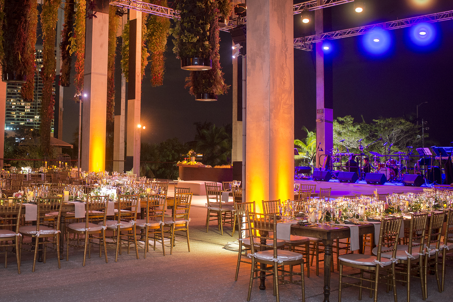 Wedding at the perez art museum miami by chris weinberg events for Muralisme mexicain